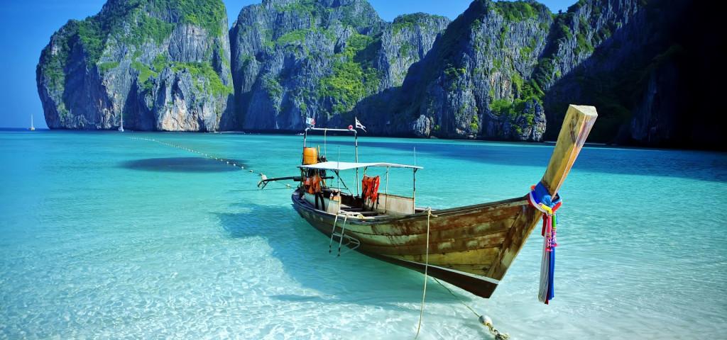 Maya Bay, Koh Phi Phi Ley, Thailand.